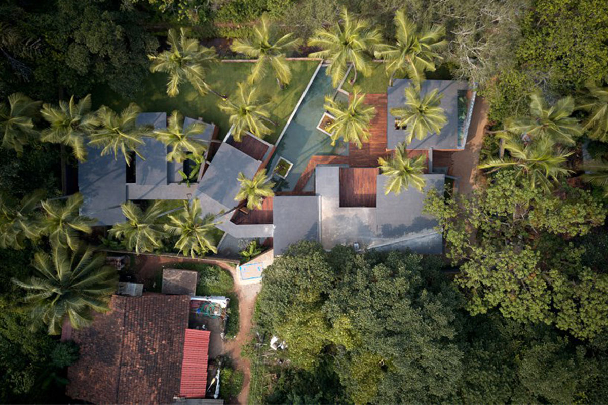 Villa in the Palms/ Abraham John Architects