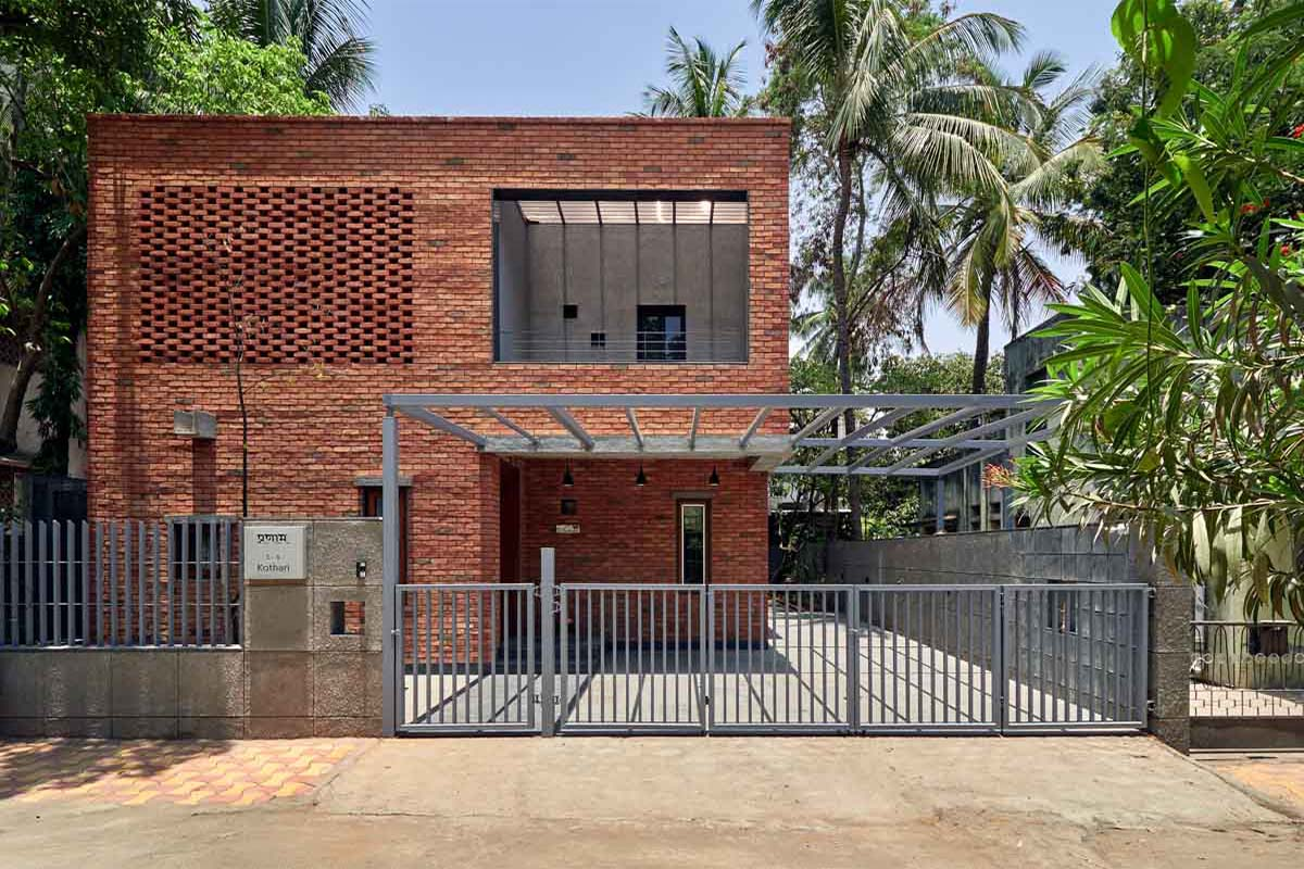 The Brick Abode / Alok Kothari Architects