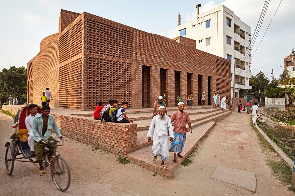 Bait Ur Rouf Mosque / Marina Tabassum Architects
