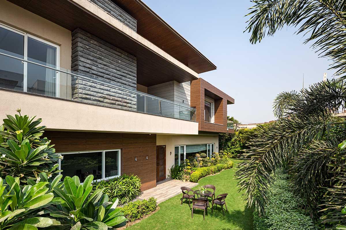Dr. Likhi's Residence / Ashok Sharma Architects