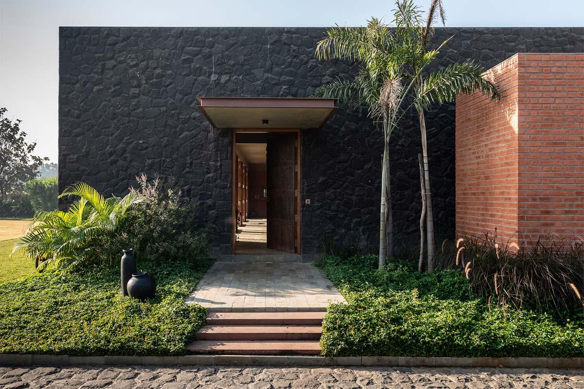 Jetvan House / Design Work Group